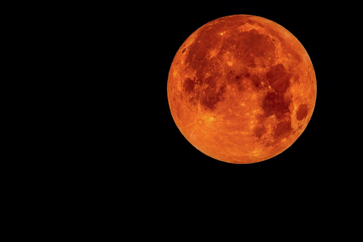 The Longest 'blood moon' Eclipse Will Astound Pakistan Tonight